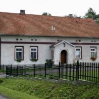 Zabytkowe obiekty i stare chaty