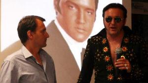 Elvis w wadowickiej bibliotece – niezwykłe spotkanie z niezwykłym fanem