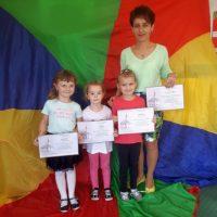 Laureaci Międzynarodowego Konkursu Plastycznego z SP Woźniki