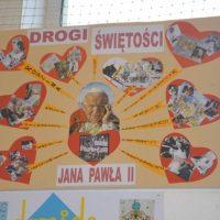 """""""Jan Paweł II – Przyjaciel i Mistrz Młodych"""" w ZSCKU w Radoczy"""