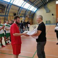 XIII Puchar Biskupa Guzdka w rękach Wikliniarza Woźniki